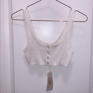 BOOHOO Ribbed Popper Crop Detail